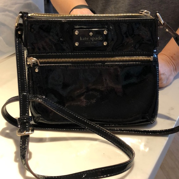aee78a0aacba5 kate spade Handbags - Black patent leather Kate Spade crossbody bag